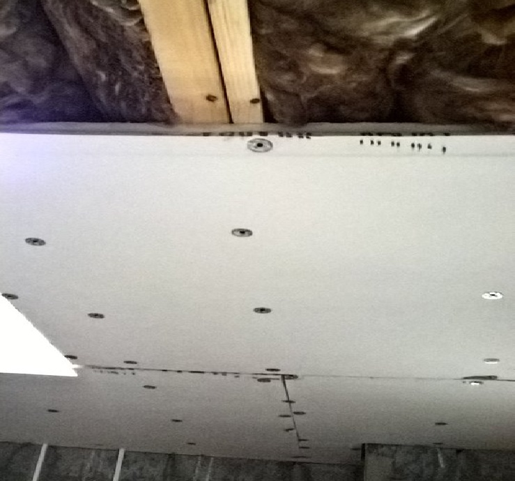 Slabbing a ceiling with insulated slabs